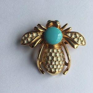Goldtone/enamel bumble bee pin